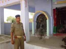 クルキハール村 仏像