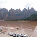 炳霊寺からの眺めと高速船