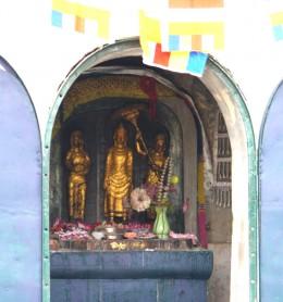 サンカシャ祠の仏像