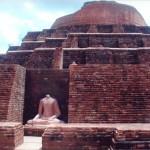 ケサリヤ仏塔と仏像