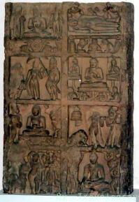 八大聖地を表した八相図彫刻