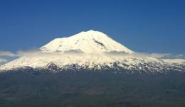 トルコ アララト山