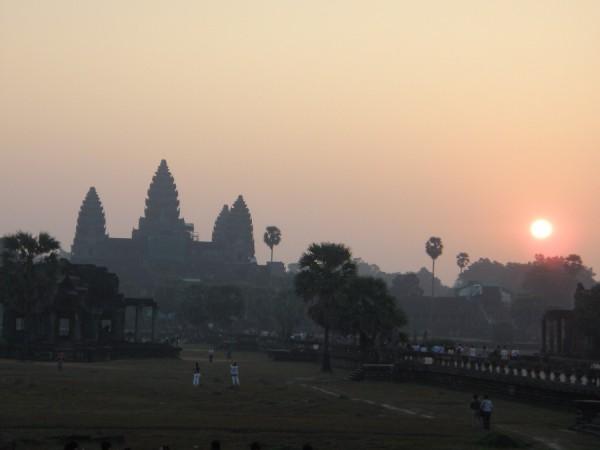 アンコールワット寺院の夕景